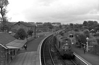 D8127 (RF) tn 8am East Kilbride-St Enoch arriving at Busby 25-6-64 WS7516