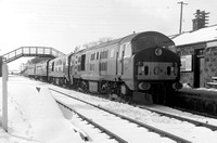 SM539 D6141 & D6150 double-head Peterhead tn in snow at Maud 1365